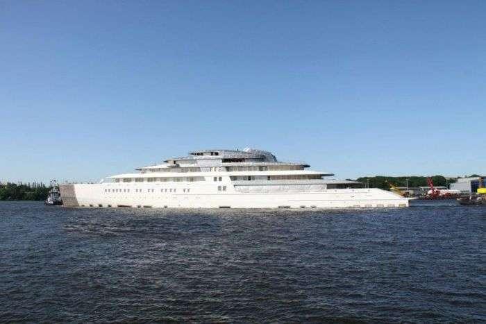 Нова яхта Azzam пересунула яхту Абрамовича на друге місце (23 фото)
