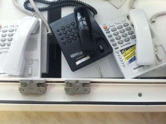 Не намагайтеся додзвонитися в лікарню (2 фото)