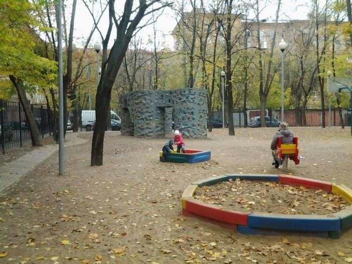 Дитячий майданчик навчить дітей невідємної частини російської мови (25 фото)