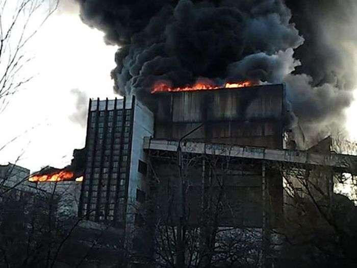 Потужний вибух і пожежа Вуглегірської ТЕС (5 фото + 3 відео)