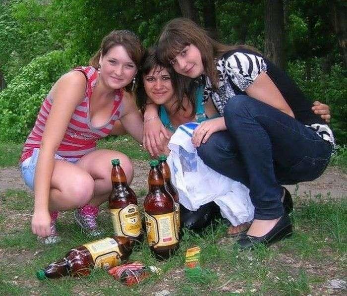 Дівчата і алкоголь з соціальних мереж (27 фото)