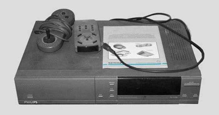 Повна хронологія еволюції видеоприставок (80 фото)