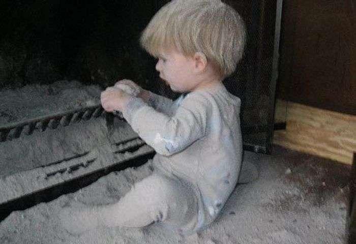 Чому не можна залишати дітей самих вдома (60 фото)