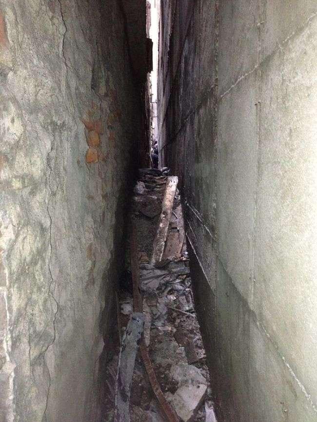 У Нью-Йорку знайшли шасі від літака, врезавшего у Всесвітній торговий центр (2 фото)