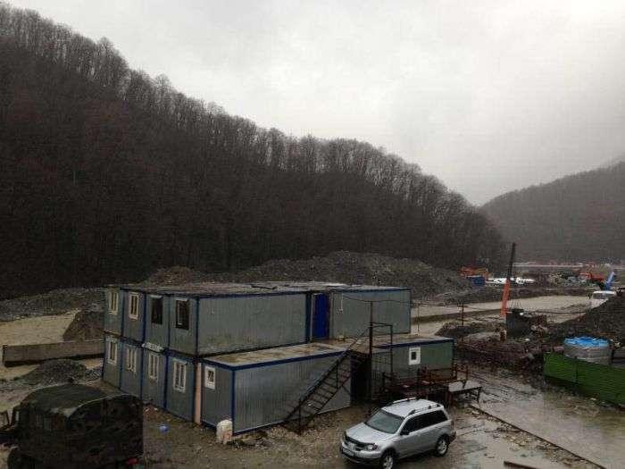 Із-за дощу була пошкоджена гребля в Сочі (5 фото + відео)