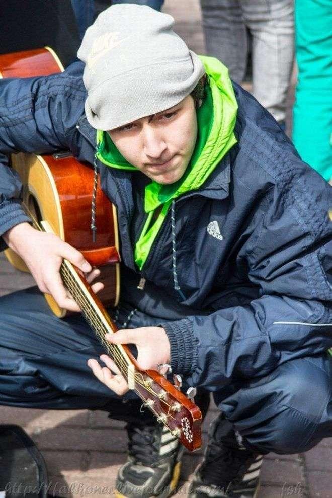 Незвичайний гоп-парад на вулицях Києва (24 фото)