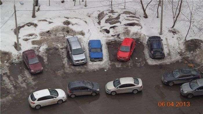 Сімейна парковка або нахабство вищій ступеня (4 фото)