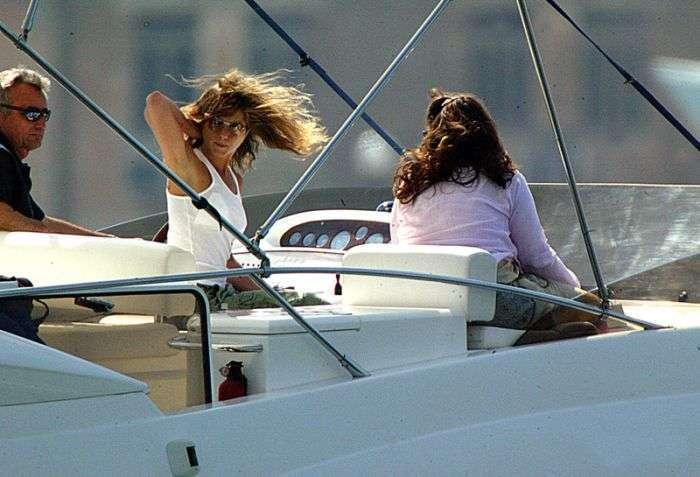 Дорогі та ексклюзивні подарунки серед багатих і знаменитих (12 фото)
