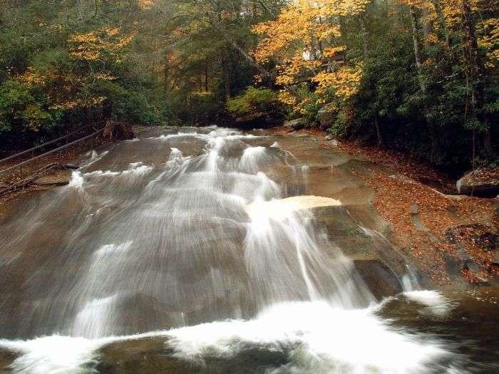 Водна гірка, створена природою (7 фото)