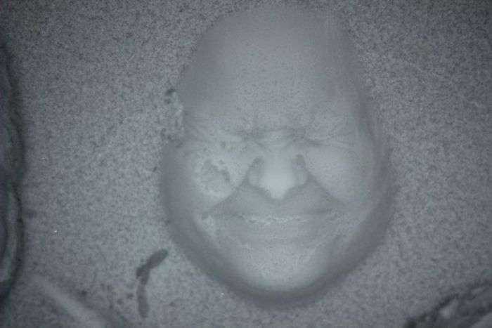Поринути з головою в сніг і зробити голову навиворіт (10 фото)