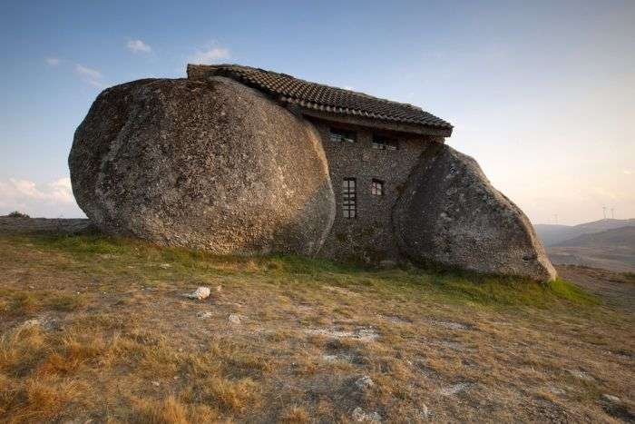 Дивовижні природні будинку (31 фото)