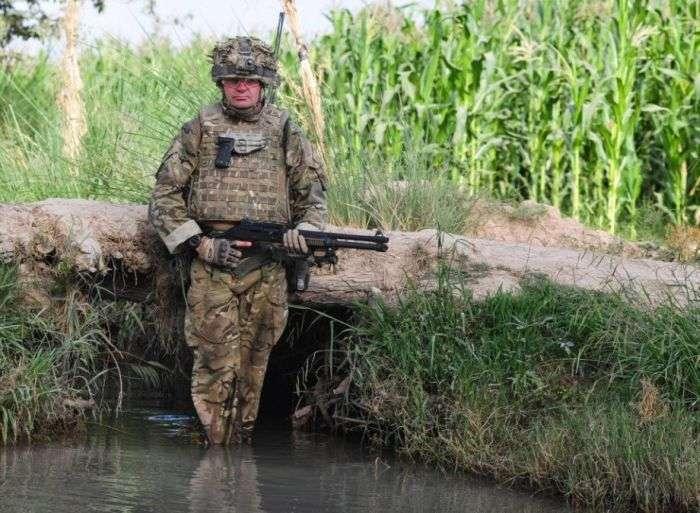 Крута військова техніка і потужна зброя (80 фото)