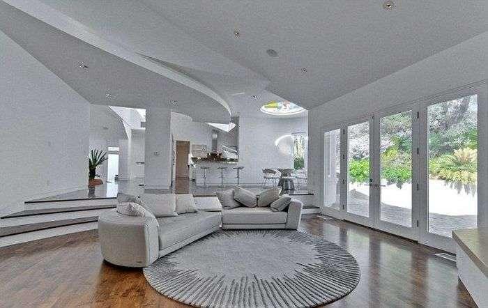 Розкішний особняк Стіва Возняка в стилі Apple Store (15 фото)